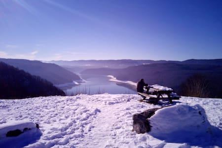 Grand et beau T3  pour vacances dans le Jura - Viry - Leilighet