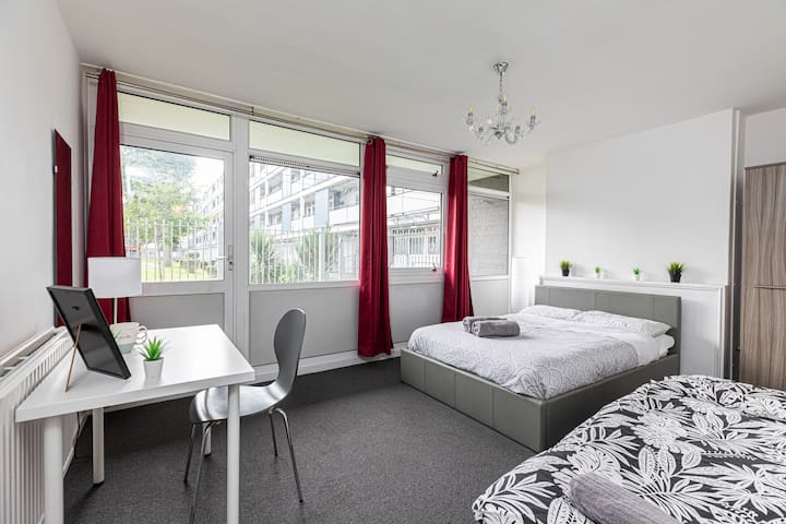Double Room 18 - near Tower of London & Shoreditch