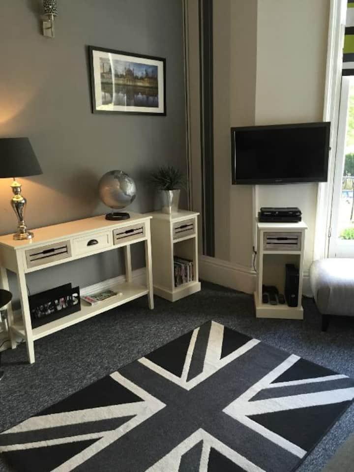 Kipps Twin Room A