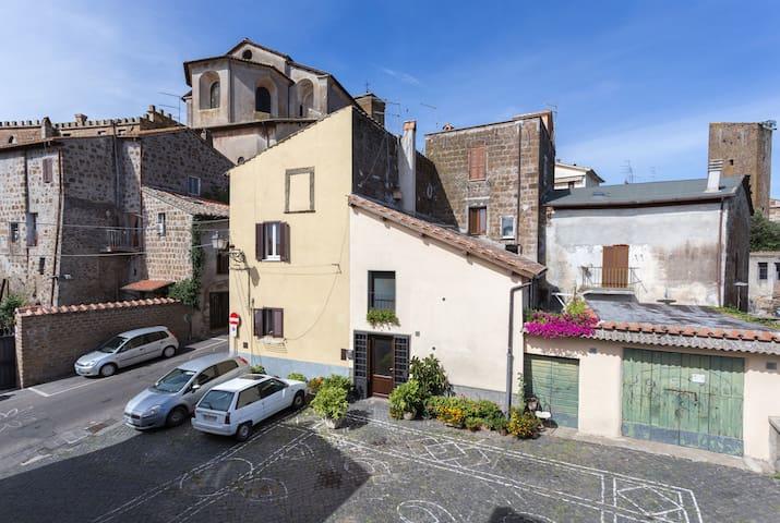 Nerone's B&B in Sutri - Via Francigena - Sutri