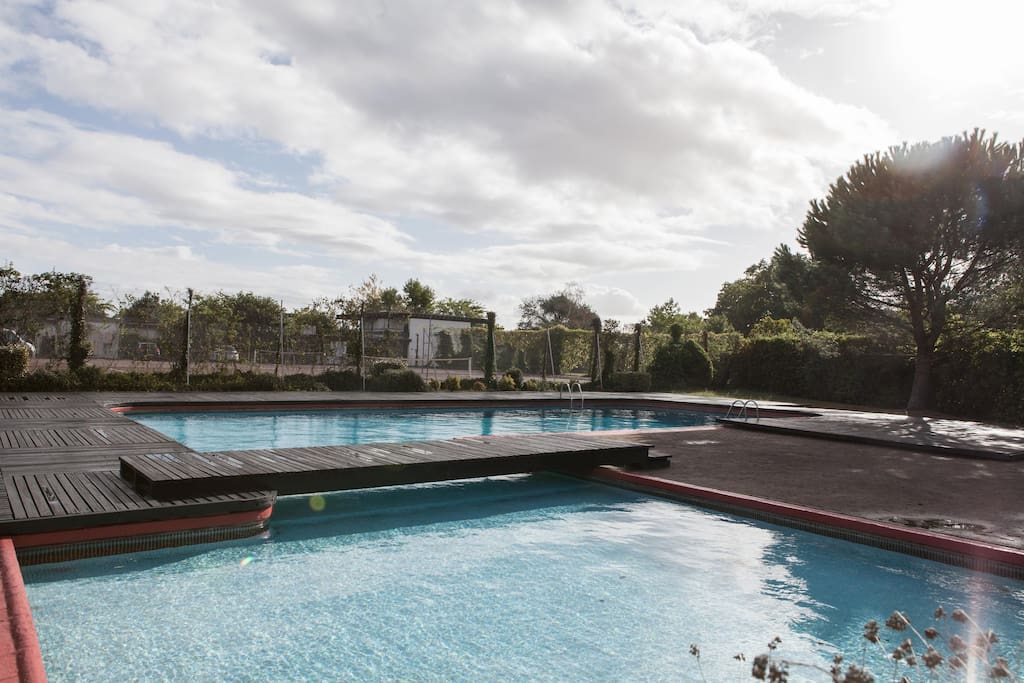 Duplex bordeaux piscine tennis apartments for rent in for Piscine universitaire talence