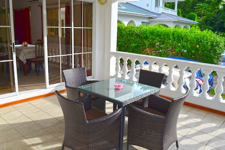 rowsvilla self catering apartments - Beau Vallon - Lakás