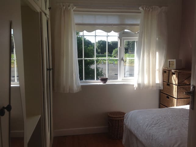 Single Room in beautiful large home