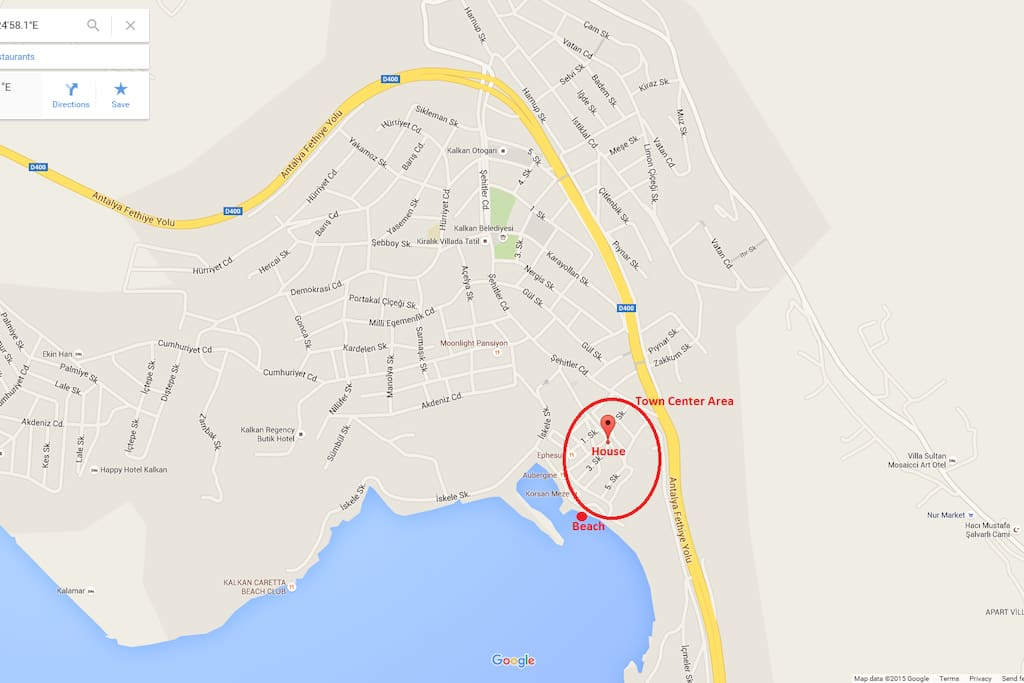 Our location is in the town center and extremely close to shore ( 110meter / 5 min )
