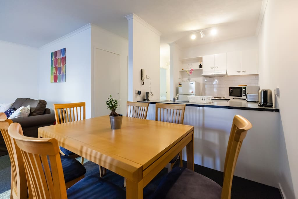 dawn 2 bedroom easy walk to melbourne cbd apartments