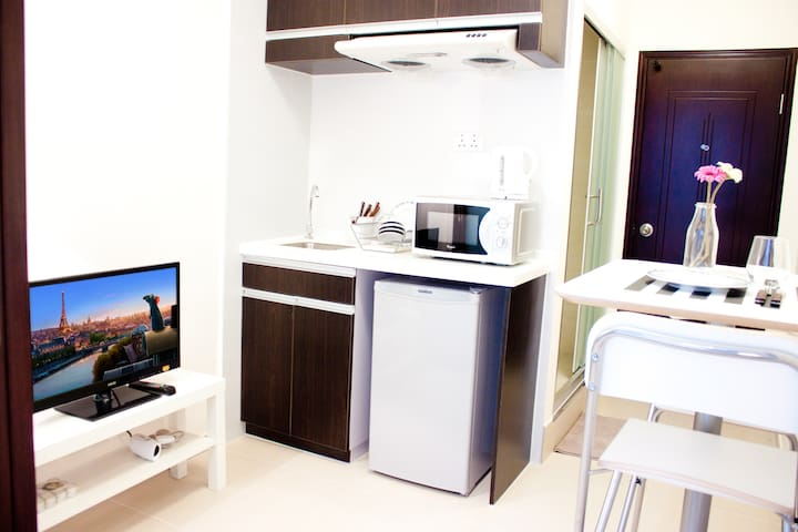 Pretty Apt 1br 2/3 Guests MTR  Good Location - Yau ma tei, Hong Kong - Apartament