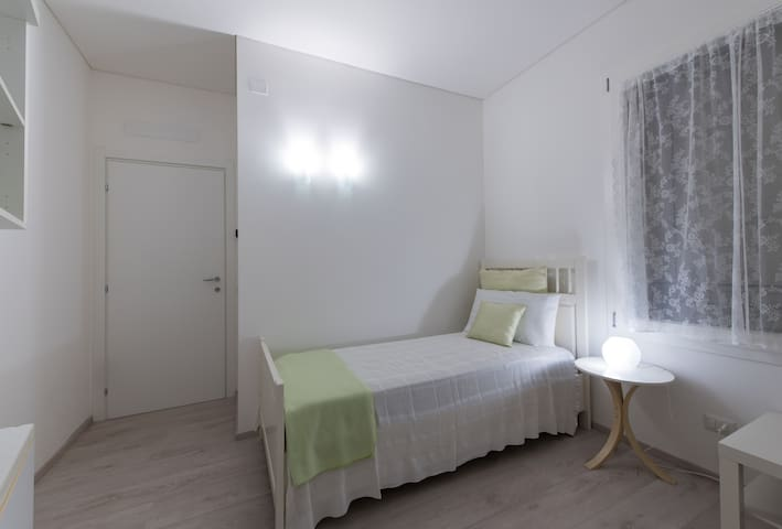 Dafne Bnb -  Single/Double Room - Treviso - Bed & Breakfast