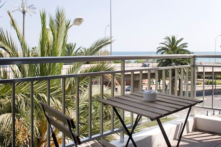 Your loft in the Postiguet beach - Appartement
