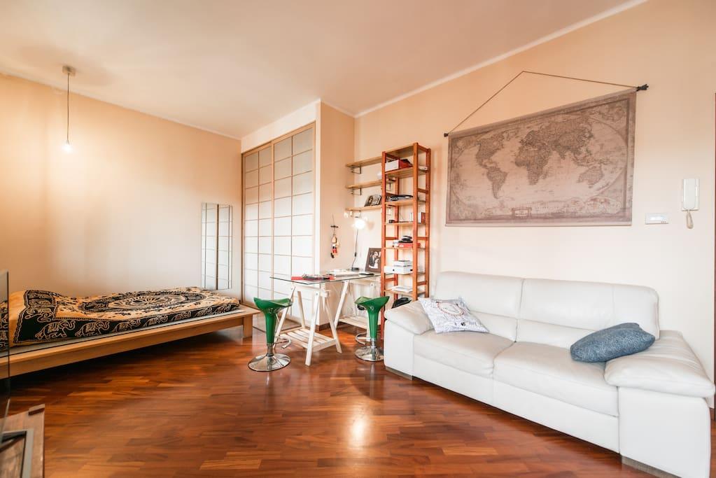 Grazioso loft attico con terrazza condomini in affitto a for Loft roma affitto