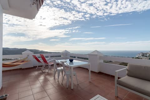 Havudsigt, pool, stor terrasse, ny!