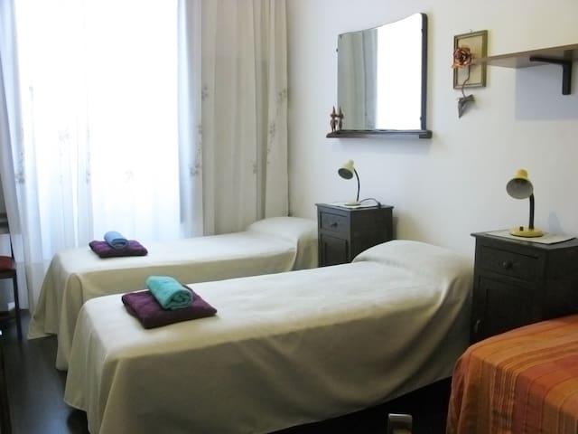 Three single beds combination