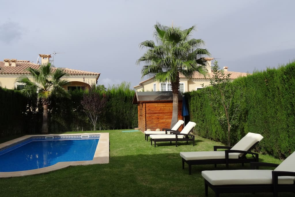 Private Garden and Pool