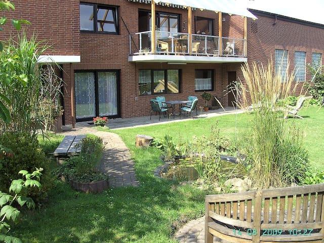 Wohnung mit Terrasse - Zierenberg - Apartment
