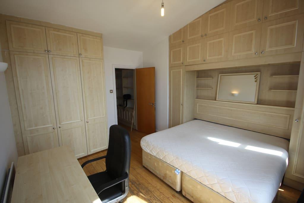 Double Suite £1100.00pcm