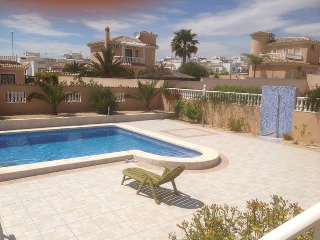 Villa indépendante avec piscine prive - San Fulgencio