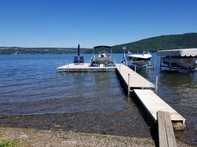 Private room with Keuka Lake access
