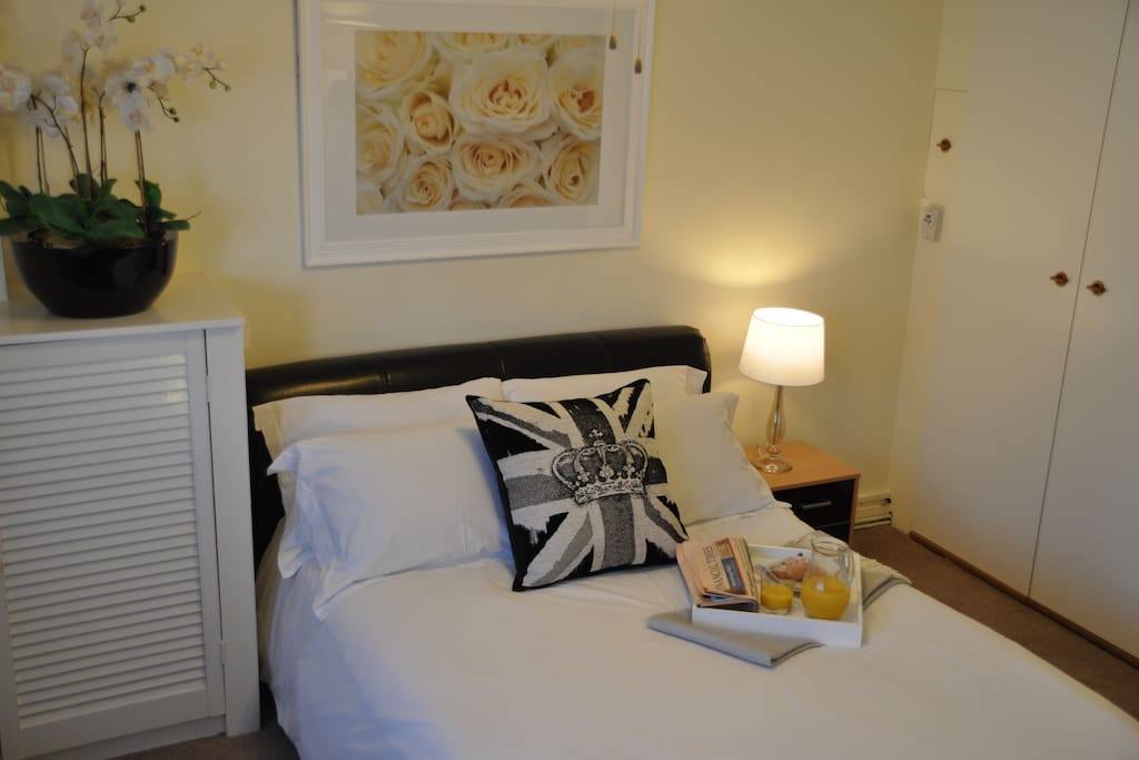 tower of london studio sofa bed apartments for rent