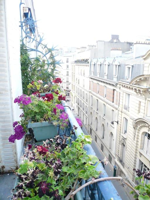 Balcon sur rue