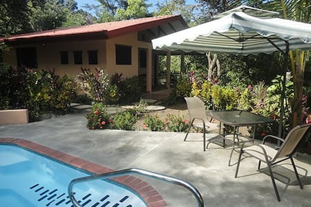 Isolated Get-Away - 1 BR Casita with PRIVATE pool