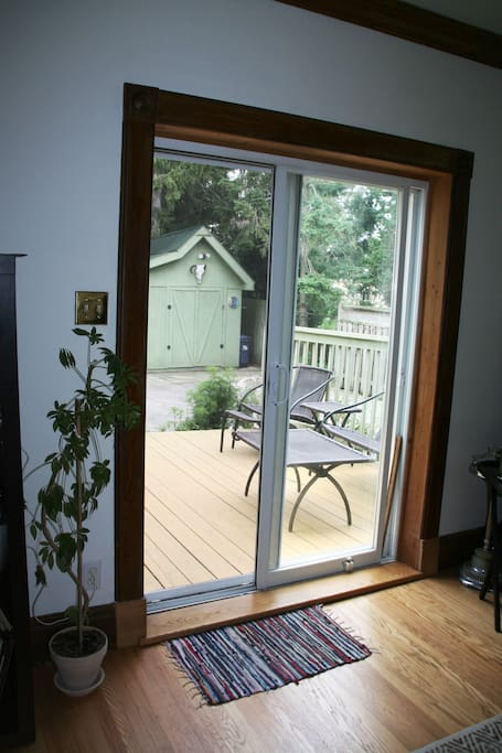 Sliding door to big beautiful backyard.
