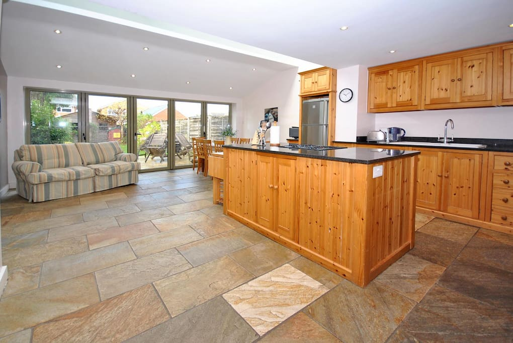 Beautiful large kitchen breakfast room.