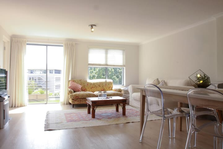 Spacious Modern Flat|The Rondebosch - Cidade do Cabo - Apartamento