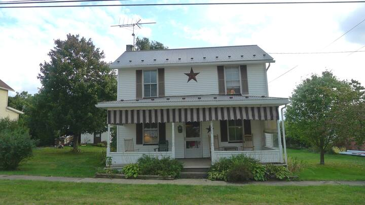 Charming House between Wisp and Seven Springs