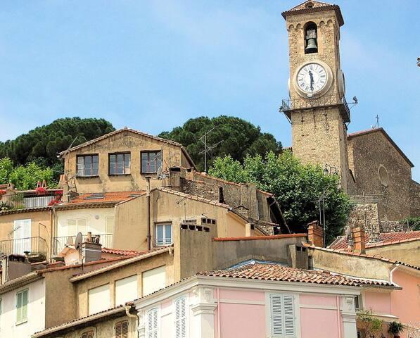 en plein coeur du vieux Cannes- Le Suquet