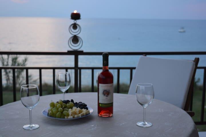 Villa Astra - Skála Foúrkas