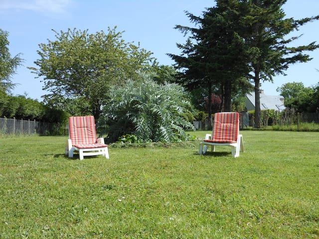 Maison de vacances avec immense jardin - Bréville-sur-Mer - Hus