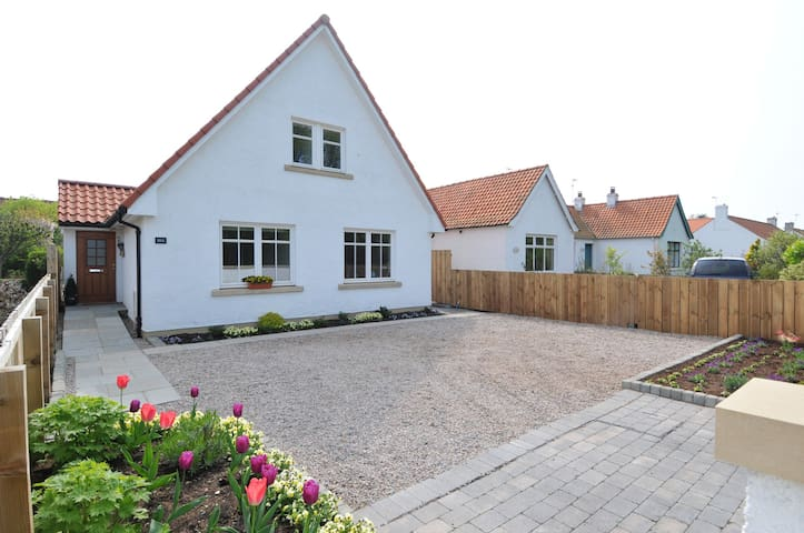 Beautiful detached 4 bedroom home - Dirleton - House