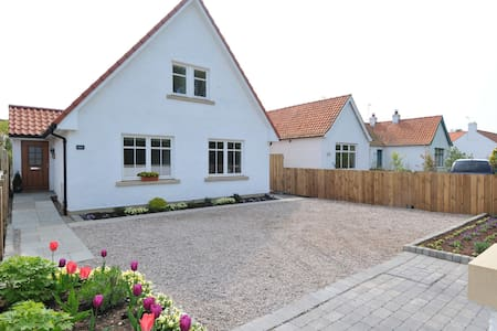 Beautiful detached 3 bedroom home - Dirleton