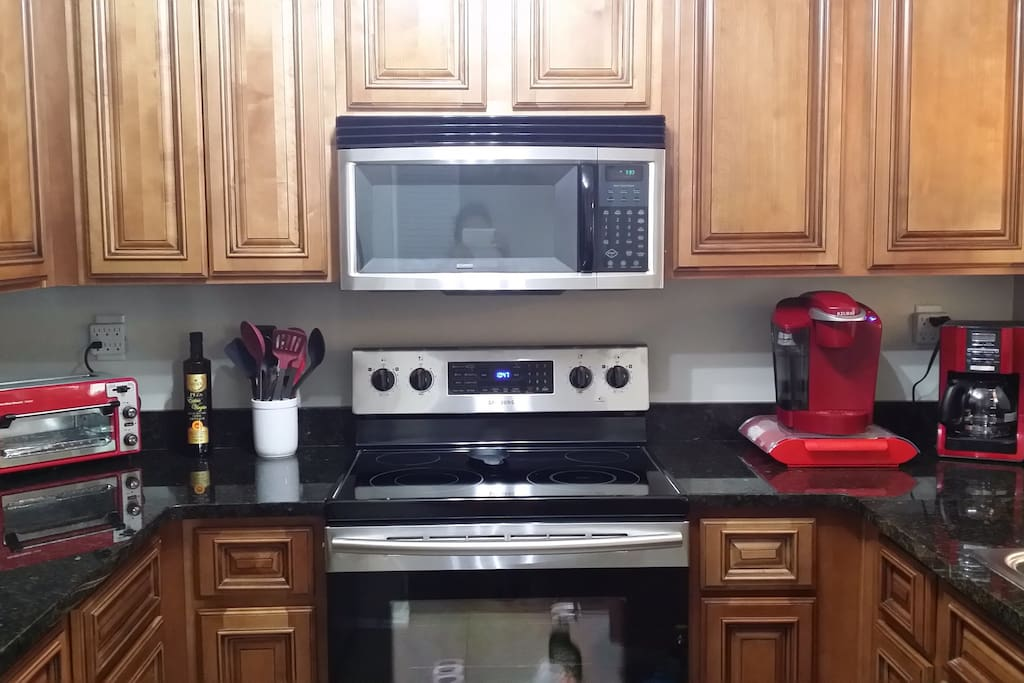 Fully-equipped Kitchen Keurig, Espresso machine, & regular coffee maker.  Also, many small appliances and other kitchen supplies.
