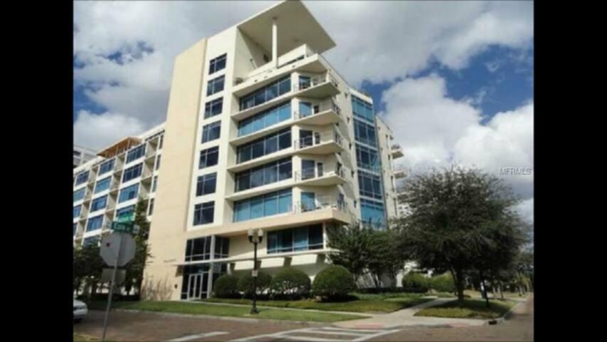 Entire modern condo unit near Lake Eola - Orlando - Condominium