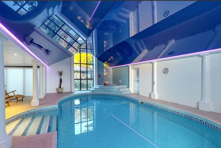 Barns + Indoor Pool, Spa, Sauna, Games Room - Lyme Regis - Hus
