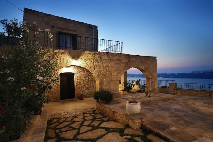 Villa Thea.with private pool (3 bedrooms villa)