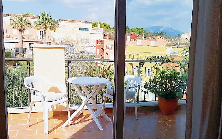 Sunny doble room with acces to a private terrace.