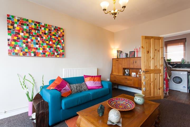 Homely flat in vibrant East London - London - Lägenhet