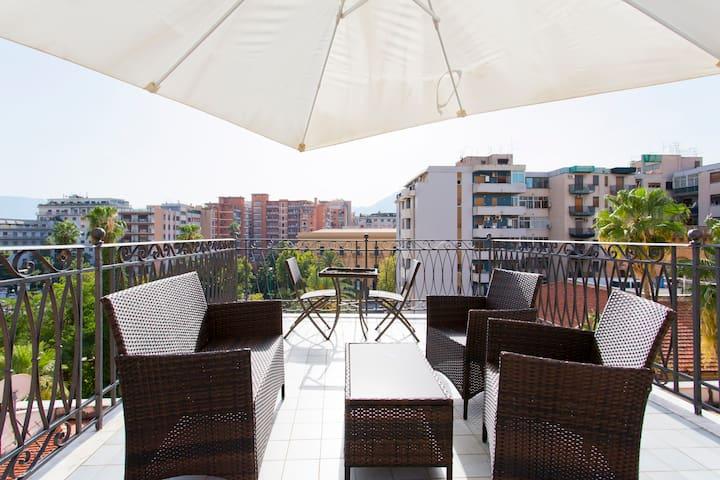 Nel quartiere più chic...The loft - Palermo - Loft