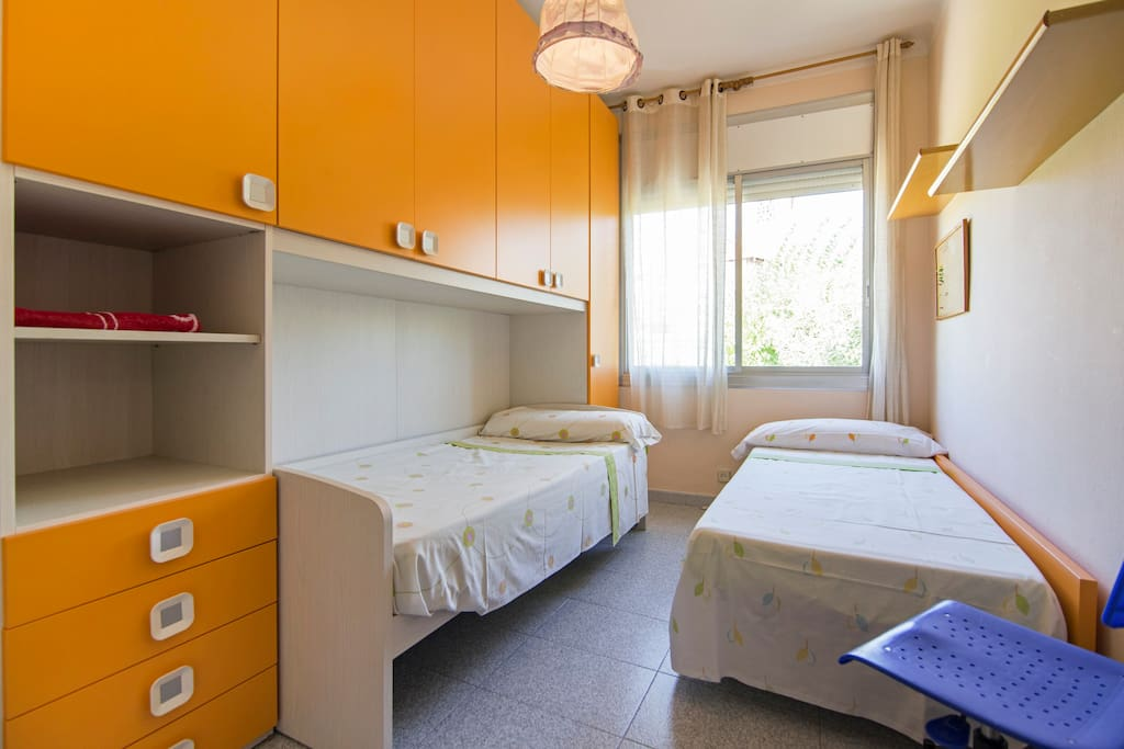 Habitacion 2 con dos camas de 80 q se pueden juntar y hace cama grande