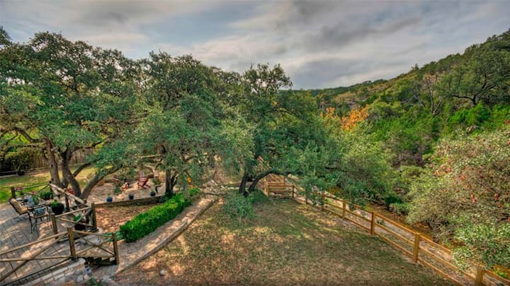 Hill Country Estate on RanchRoad 12