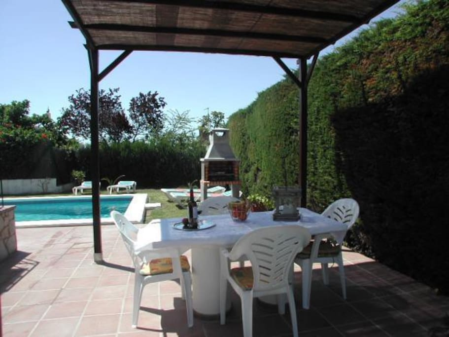 Covered outside eating area with barbeque