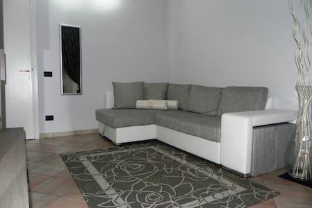 Graziosa camera con terrazzo - Hus