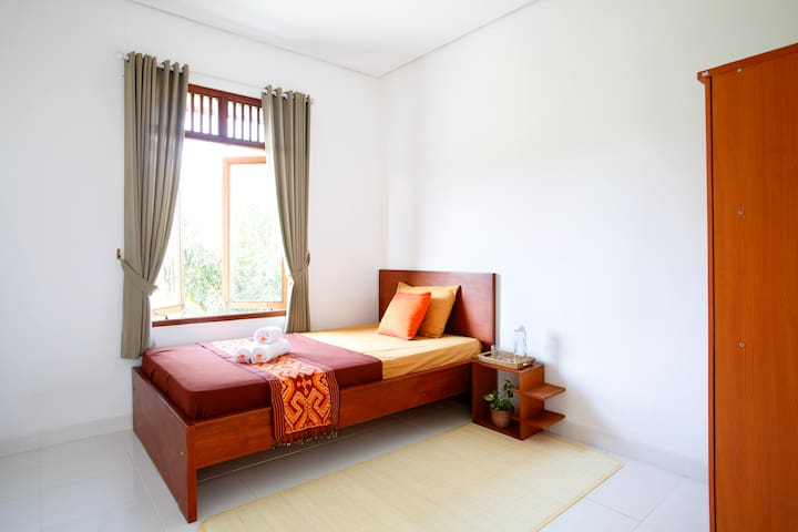 Peaceful Homestay in Bali (2 Rooms)