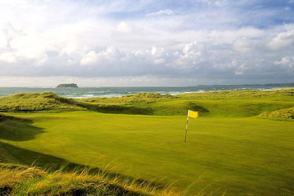 Ballyliffin Golf club 1 mile away Fantastic 36 hole links complex
