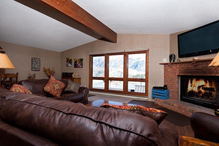 Affordable Luxury Ski in/Ski Out Condo - Awesome Views