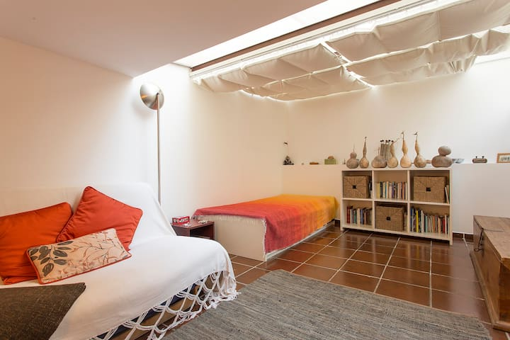 Typical room in historical area - Lisboa - Flat