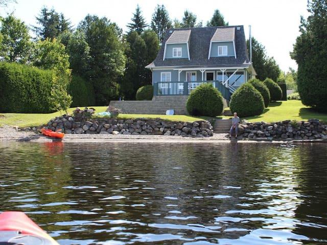 Belle maison de campagne sur lac Aylmer