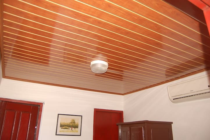 Chambres Standard climatisées.
