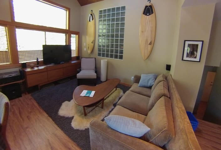 Mountain Chalet- Perfect for Family - Whistler - Huis